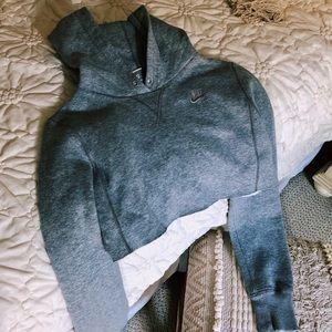 grey nike cropped hoodie